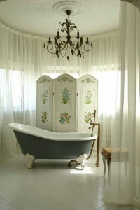 Fancy bathtub in a fancy bathroom